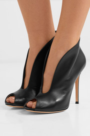Vamp 105 leather ankle boots