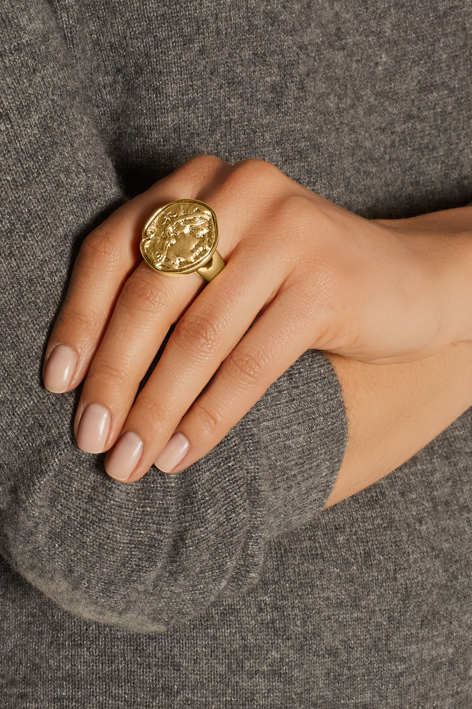 Kenneth Jay Lane Embossed gold-plated ring