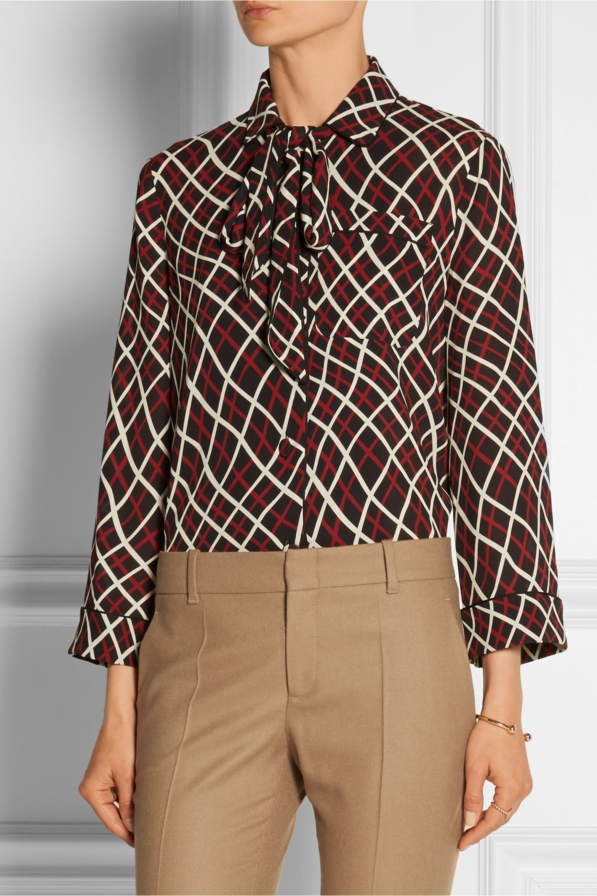 Gucci Pussy-bow printed silk-crepe blouse
