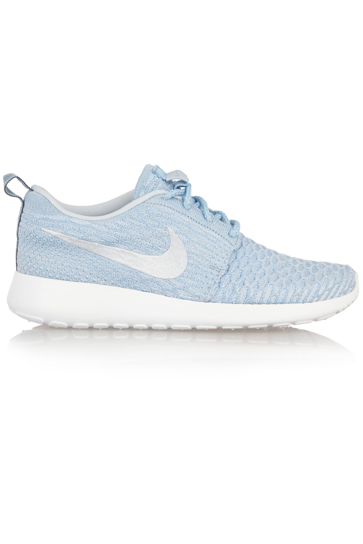 empeñar insuficiente capitán  Sky blue Roshe One Flyknit mesh sneakers | Nike | NET-A-PORTER