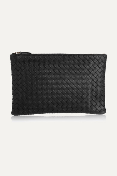 bottega veneta female bottega veneta medium intrecciato leather pouch black
