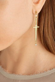 Dagger gold-plated freshwater pearl earrings