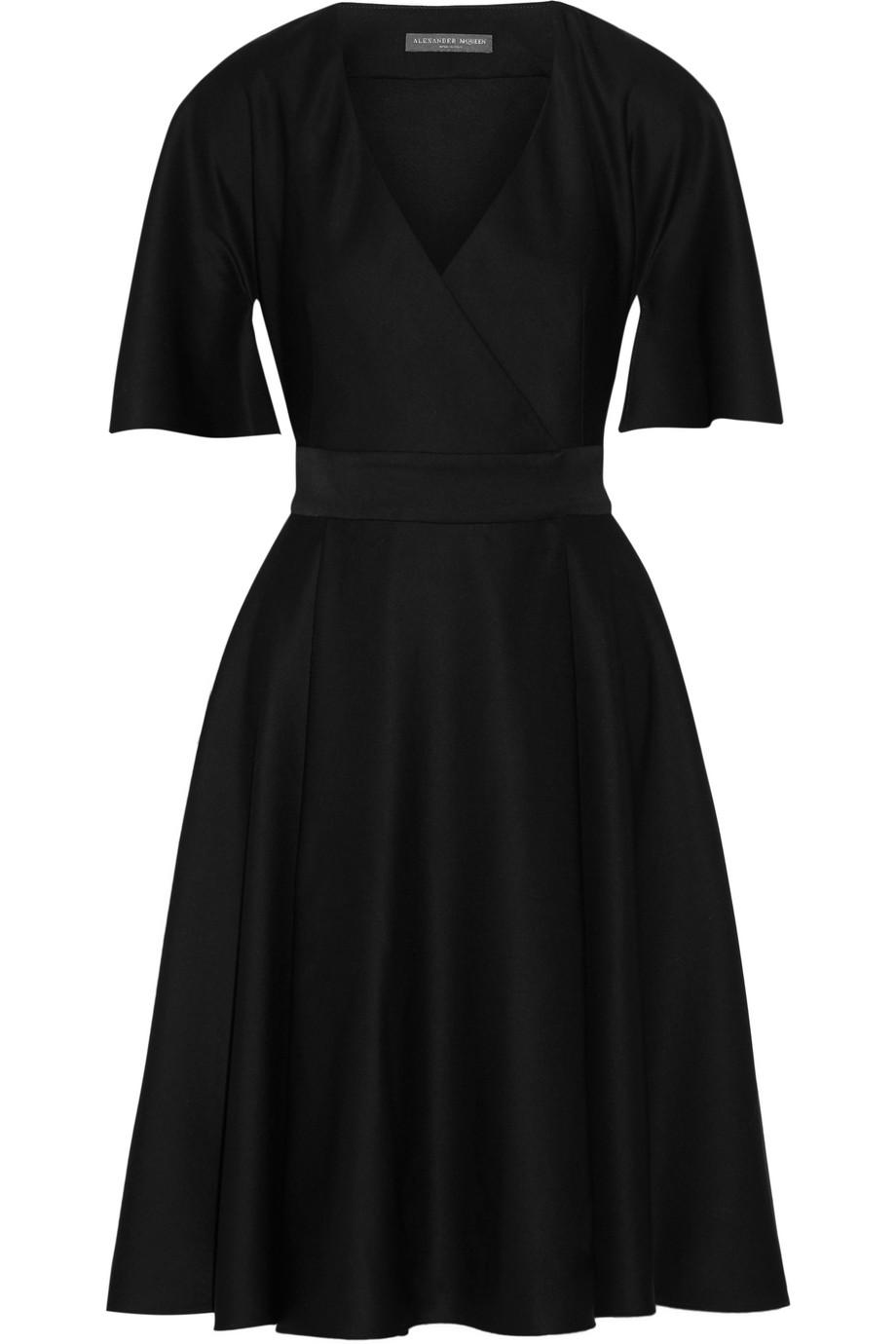 Alexander Mcqueen Cape-Sleeve Grain De Poudre Wool Wrap Dress, Black, Women's, Size: 38