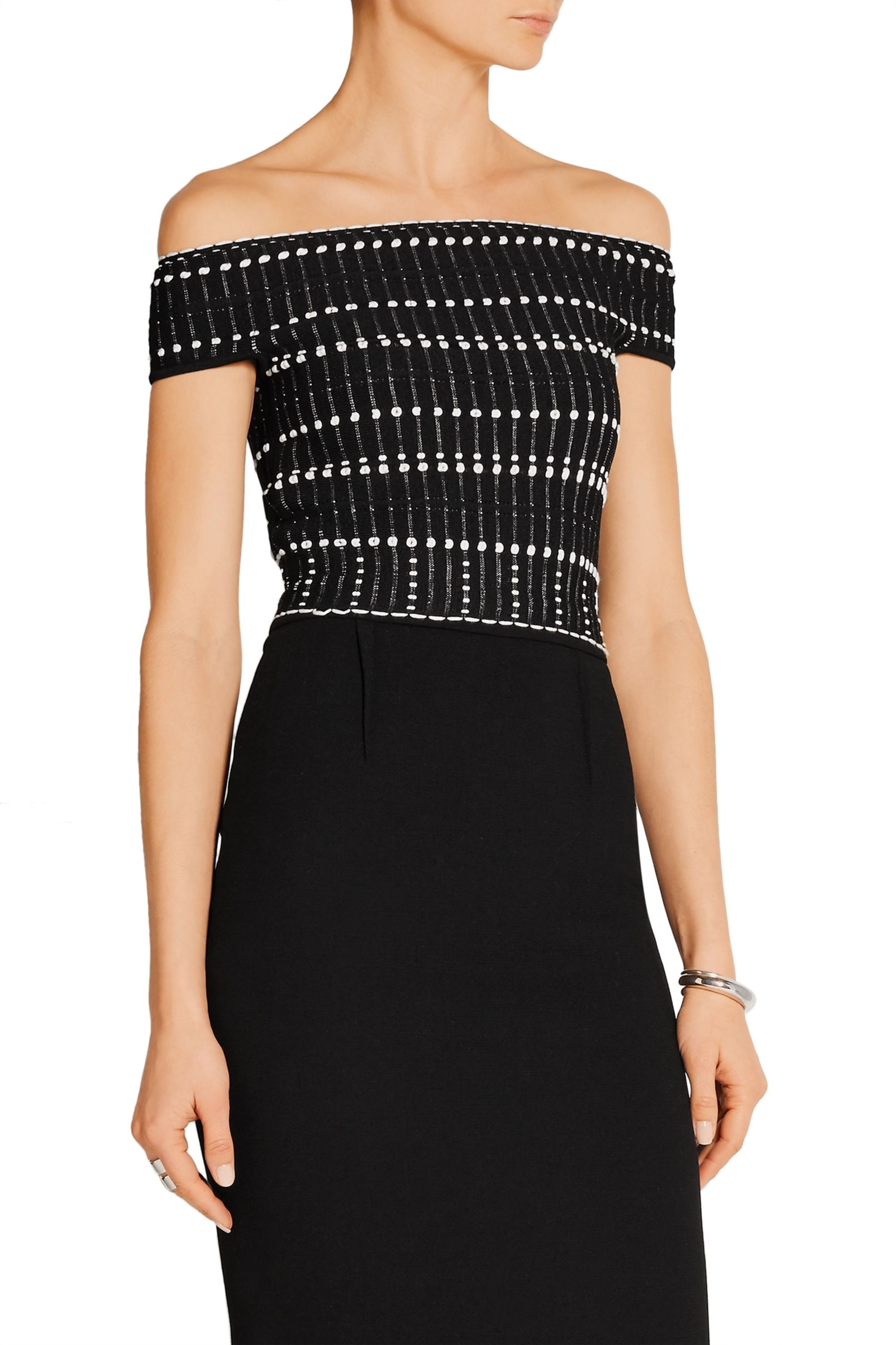 Alexander McQueen Cropped off-the-shoulder knitted top