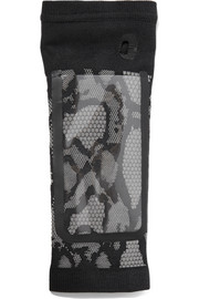 Jacquard-knit media player armband