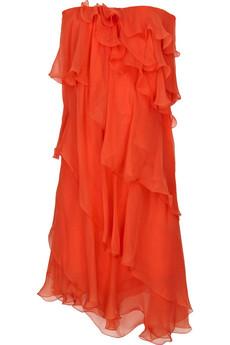 Помимо драпировок и асимметрии в моде еще и многослойные платья со...