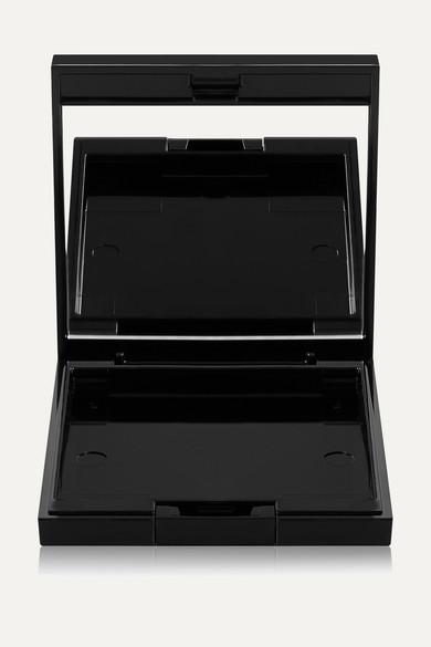 Artistique Custom Palette Case 2.75H X 2.38W X 0.5D (In)/ 6.99H X 6.05W X 1.27D (Cm) in Black
