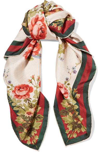 887c34c392f2 Gucci for NET-A-PORTER   Foulard en sergé de soie à imprimé fleuri ...