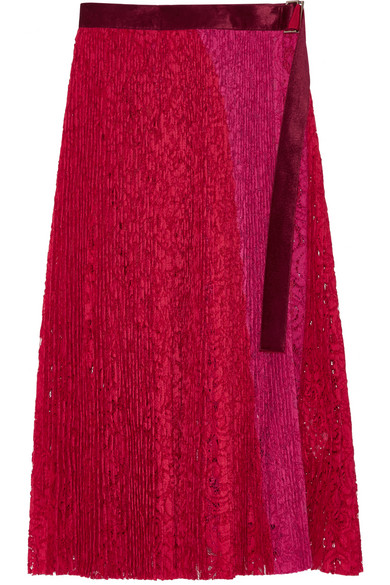 Sacai - Velvet-trimmed Pleated Lace Wrap Skirt - Red