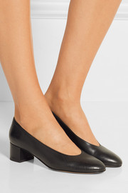 Ballerina leather pumps