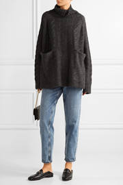 Le Oversized cable-knit cashmere turtleneck sweater