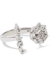 18-karat white gold diamond ring