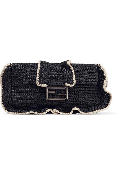 Fendi Baguette Schultertasche aus gewebtem Stroh mit Rüschen