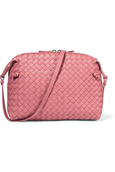 6b04edce1e8f Bottega Veneta. Messenger small intrecciato leather shoulder bag