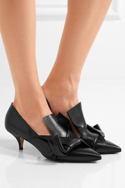 Knotted leather pumps