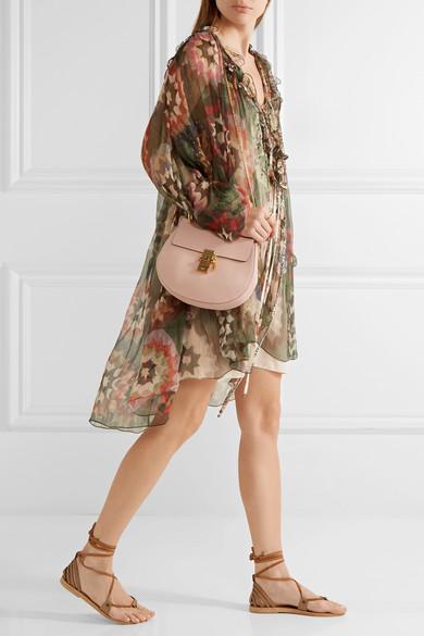 Chloé. Drew small textured-leather shoulder bag d79712418123c