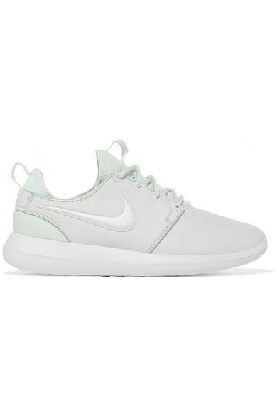 Nike Roshe Two SE 2 Women Black White Running Shoes 881188 001