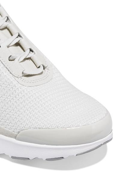 new style b3f2c 1e564 Nike. Baskets en Flyknit à finitions en cuir verni et en daim Air Max  Jewell. €48. Zoom