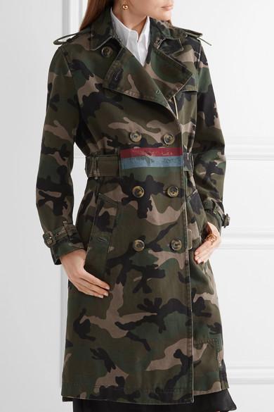 Valentino Verzierter Trenchcoat aus Baumwoll-Canvas mit Camouflage-Print