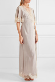 Carine Gilson Déshabillé Chantilly lace-trimmed silk-satin robe