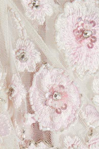 Needle & Thread Rosette verzierte Robe aus Tüll mit Stickereien