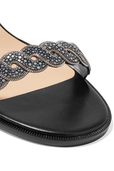 Christian Louboutin Grekoronda 25 Sandalen aus Stachelrochenleder und Leder mit Kettenverzierung