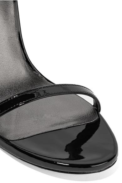 Stuart   Weitzman   Stuart NudistSong Sandalen aus Lackleder ad018a