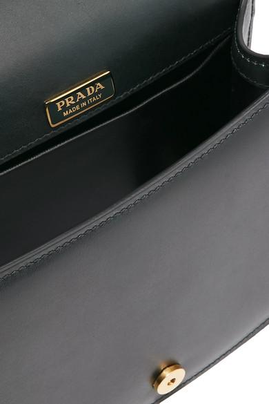 Prada Pionnière Schultertasche aus Leder