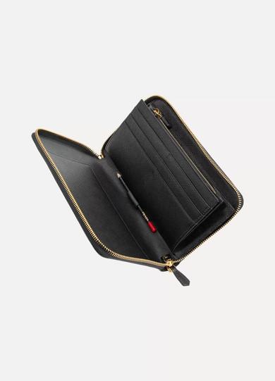 Prada Travel Portemonnaie aus strukturiertem Leder im europäischen Stil