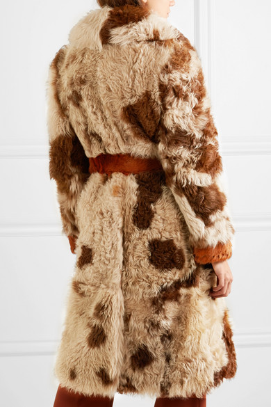 Prada Mantel aus Shearling mit Nieten