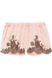 I.D. Sarrieri Hôtel Particulier Chantilly lace-trimmed silk-blend satin shorts
