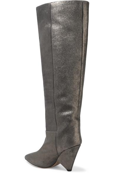 Bottes hauteur genoux en cuir brossé métallisé Loyko. €356. Zoom
