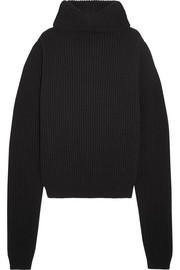 Oversized ribbed wool turtleneck sweater