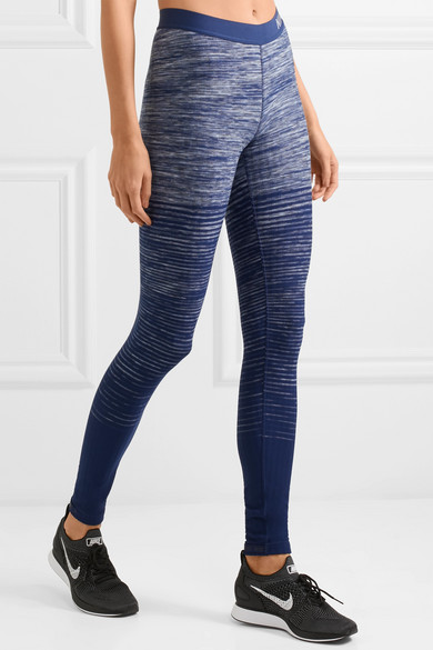 Nike Hyperwarm Leggings aus Stretch-Material