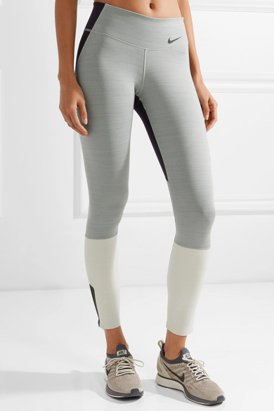 Nike Legendary Leggings aus Dri-FIT-Stretch-Material in Colour-Block-Optik
