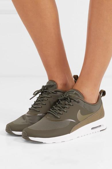 Nike Air Max Thea Sneakers aus Gummi, Stretch-Mesh und Leder mit Krokodileffekt