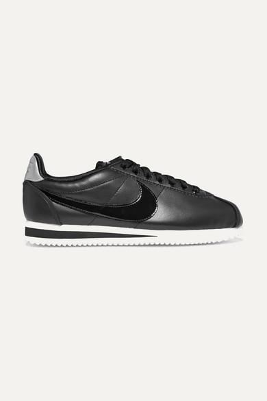Nike Classic Cortez Sneakers aus Leder mit Lacklederdetail