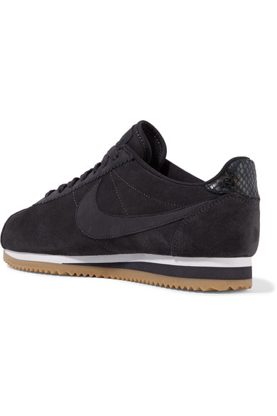 new concept 31c9c 44bcd nike cortez all black suede