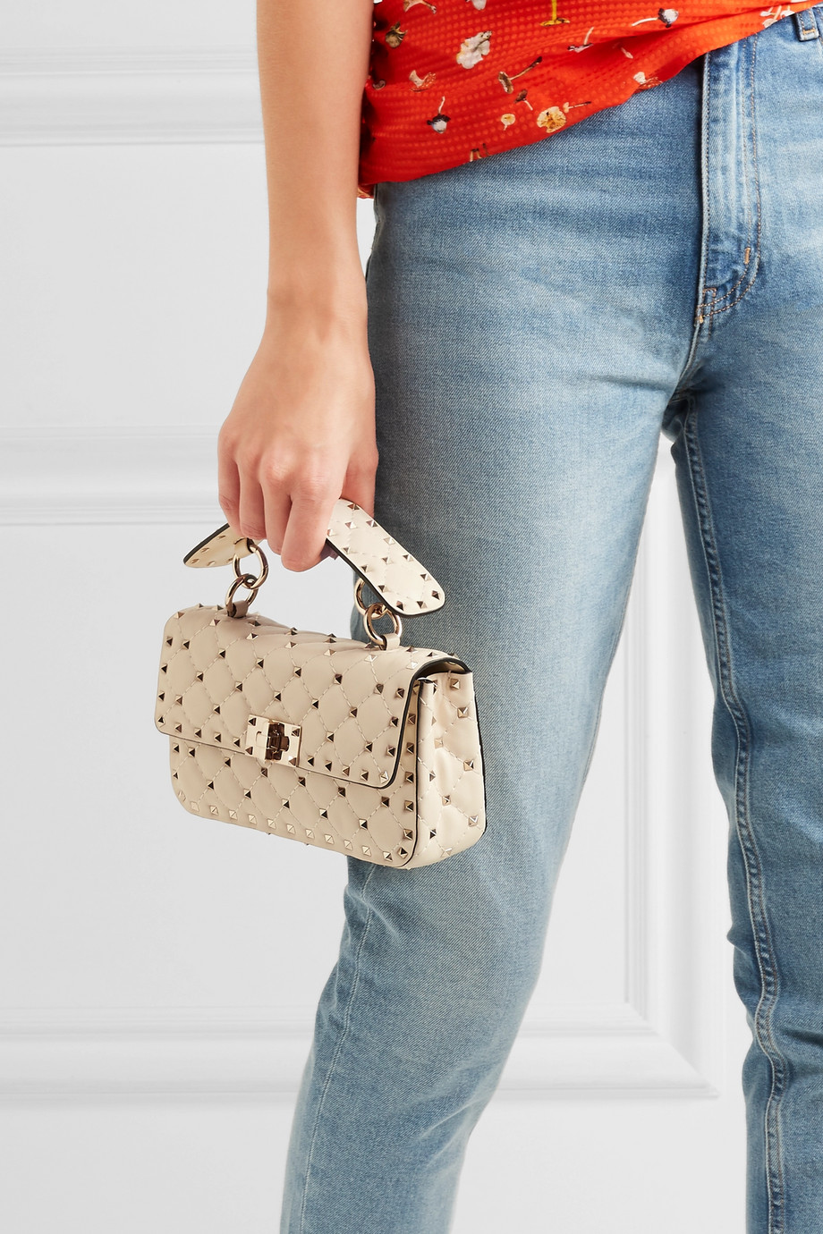 b6e3c5ad82 Valentino Valentino Garavani The Rockstud Spike small quilted leather  shoulder bag