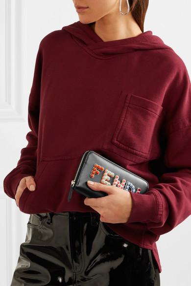 Fendi Nietenverziertes Portemonnaie im europäischen Stil aus Leder mit Applikationen