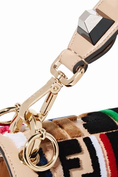 Fendi Kan I Schultertasche aus Leder mit Samtapplikationen