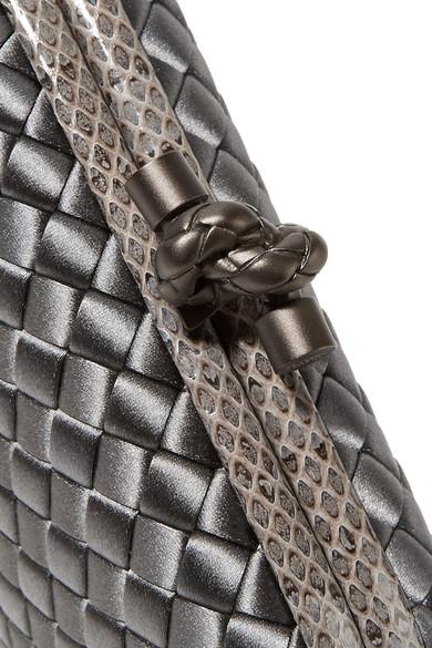 Bottega Veneta The Knot Clutch aus Intrecciato-Satin mit Wasserschlangenlederbesatz