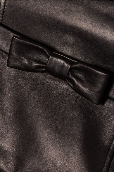 Miu Miu Minirock aus Leder mit Schleifenverzierung