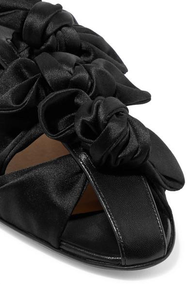 The Row Capri Slippers aus Satin und Leder mit Schleifen