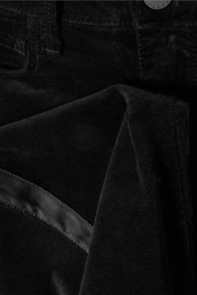 L'Agence Margot eng geschnittene Hose aus Stretch-Samt mit Satinbesätzen