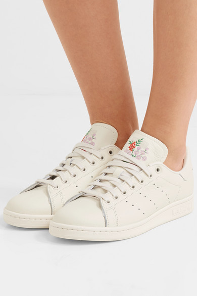 huge discount 26fdd 32cfc Stan Smith embroidered leather sneakers