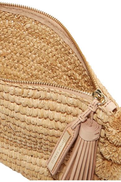 Loeffler Randall Clutch aus Stroh mit Lederbesätzen und Pompons