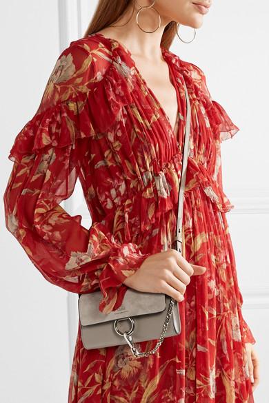 Chloé Faye mini Schultertasche aus Leder und Veloursleder