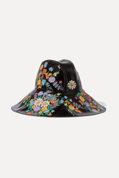 Gucci. Embroidered patent textured-leather hat 04066742396