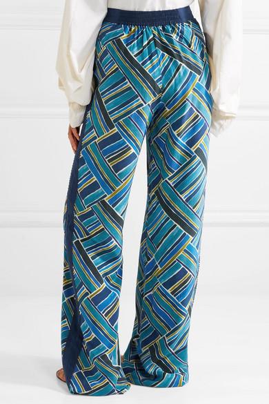 Talitha Hose mit weitem Bein aus bedruckter Seide mit Zierperlen